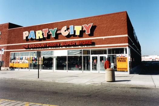 Party City's website has a coupon section where you can look at the latest coupons being offered before you start shopping. The most heavily discounted items on the website can be found by clicking on the clearance tab at the top of the homepage.
